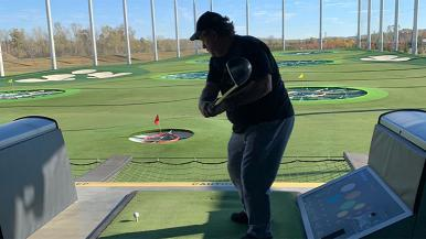 Dominic Mastrodonato plays golf after hip replacements
