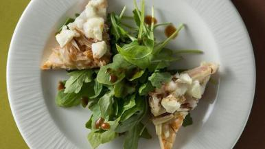 arugula-onion-cheese--flatb.jpg
